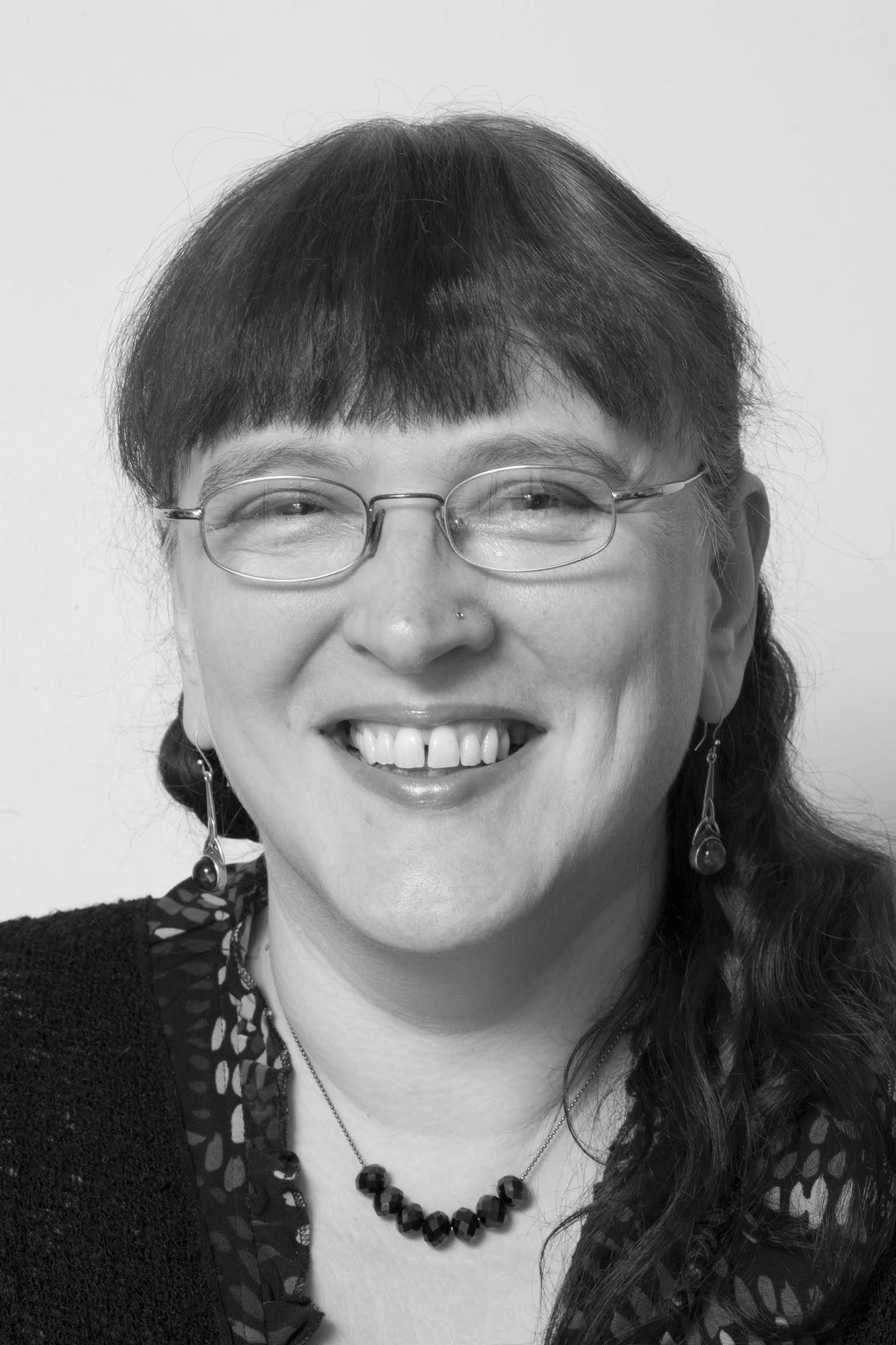 Julia Webb author portrait